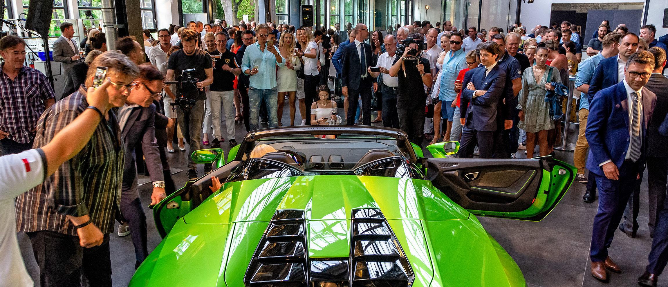 Eine große Feier markiert die Rückkehr von Lamborghini nach Berlin